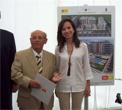 José Luis Serna Almodóvar with the former Spanish Housing Minister, Beatriz Corredor