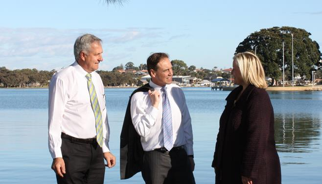 Don, Shadow Minister for Environment Greg Hunt & Liberal Candidate for Brand Donna Gordin